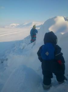 Ekspedisjonens mål. En stor haug med sne, masse spennende huler og høye fjell som skal bestiges.